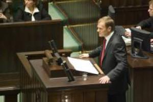 Tusk planuje dwuetapowo znieść podatek Belki