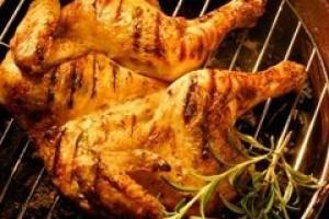 Drobiarze ograniczają eksport kurczaków