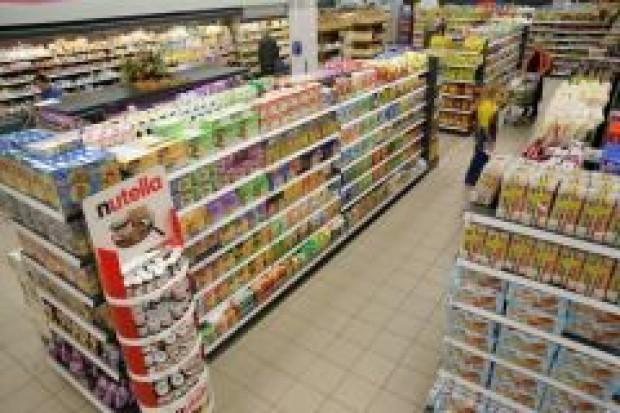 Supermarkety nabijają nas w butelkę