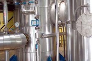 Gorzelnicy wolą produkować spirytus na biopaliwa niż na wódkę