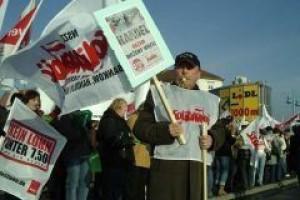 Pracownicy supermarketów walczą o podwyżki
