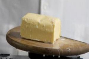 Więcej masła w prywatnych magazynach