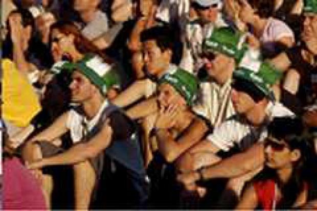 1,5 miliona litrów piwa wypili kibice w Fan Zonach  Carlsberga na Euro 2008