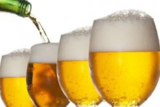 Brytyjczycy nie mogą pić piwa na litry