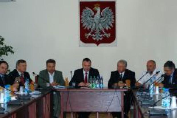 Polacy i Węgrzy chcą wsparcia Komisji Europejskiej