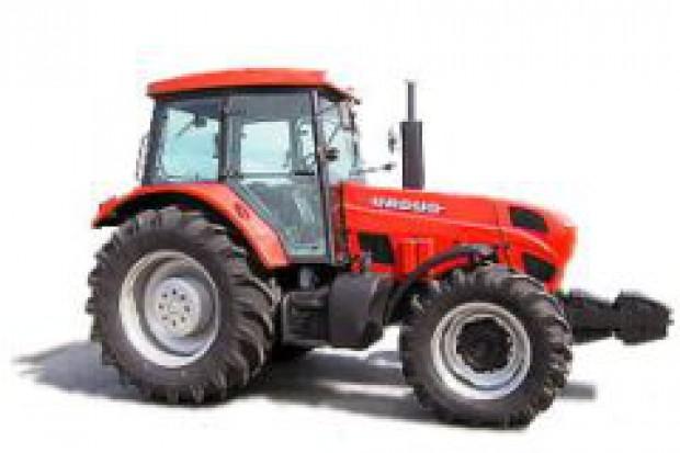 Producenci ciągników upadają, bo ARiMR nie płaci rolnikom