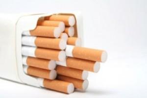 Sprzątaczki, kierowcy i ochroniarze wynosili hurtem papierosy