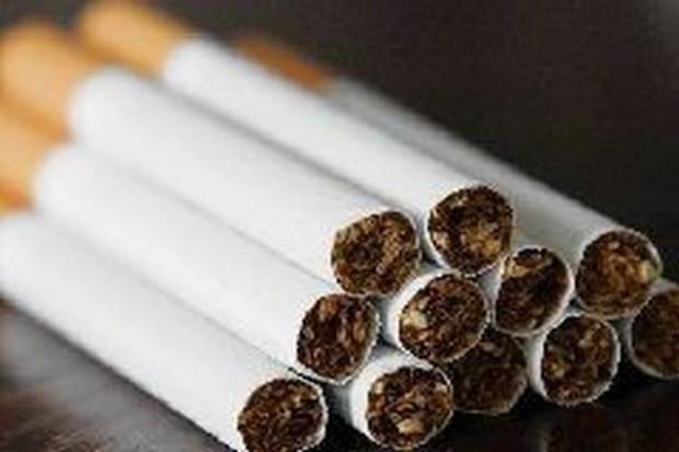 Wydamy ponad 1 mld zł na papierosy na stacjach paliw