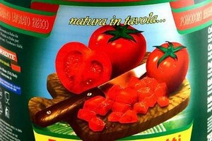 Włochy: skonfiskowano 800 tys. zepsutych konserw pomidorowych