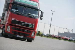 Wahania cen paliw uderzają w firmy transportowe