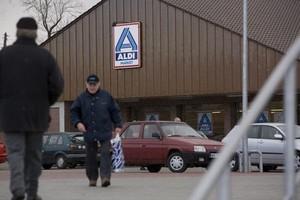 W sklepach dyskontowych Polacy wydadzą rekordowe 17,4 mld zł