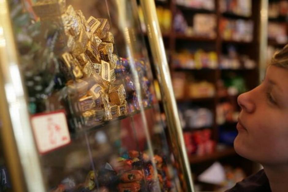Polacy nie będą ciąć wydatków na przedświąteczne zakupy w sklepach