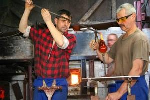 Krośnieńskie Huty Szkła zmniejszają produkcję i zwalniają pracowników