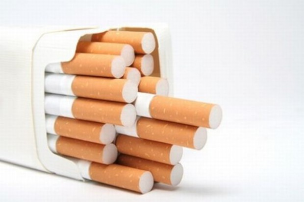 Polacy chętniej zapalą skręta niż papierosa