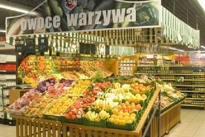 Żywność w małych sklepach jest droższa średnio o 20 proc. niż w hipermarketach lub dyskontach