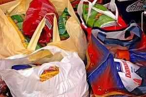 Niższe podatki dla przedsiębiorców przekazujących żywność potrzebującym