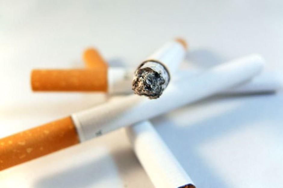 Gwałtownie spada sprzedaż papierosów