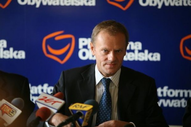 Tusk: Około 3 mld zł na ochronę bezrobotnych