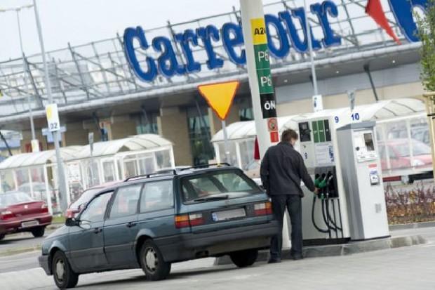 Carrefour potentatem na rynku przymarketowych stacji paliw