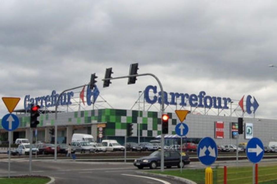 Carrefour nie sprzedał sklepów na czas, więc zostanie ostro ukarany