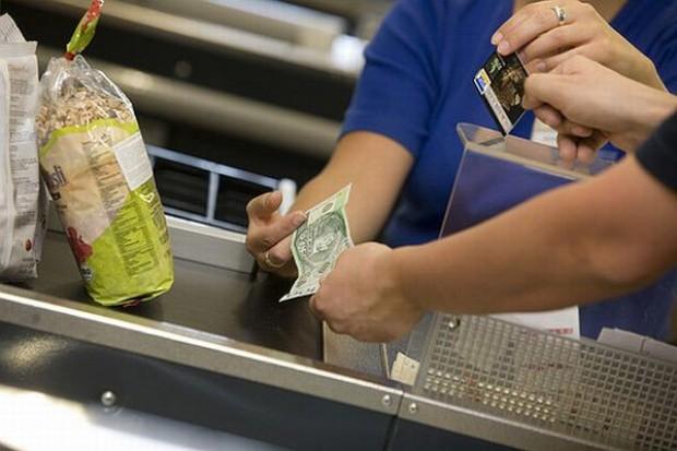 Organizacje płatnicze zmieniają prowizje od płatności kartą