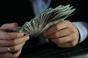 Właściciele spółek będą karać menadżerów za opcje