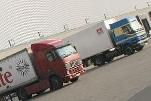 GUS: Spada sprzedaż usług transportowych