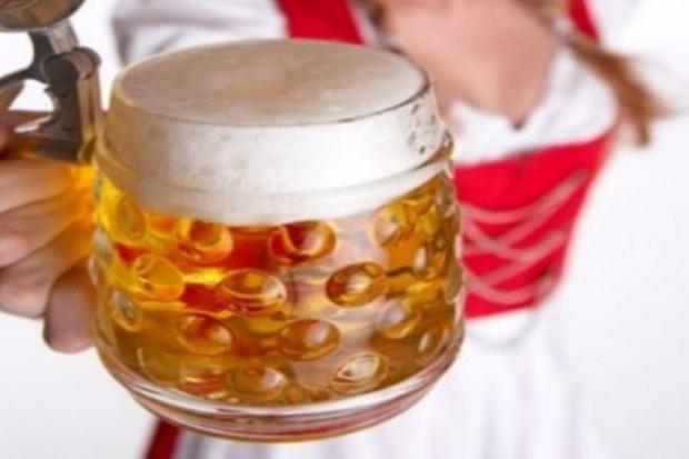 W lecie pijemy 18 proc. piwa więcej