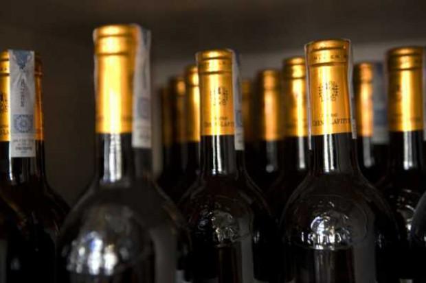 Wino spowodowało śpiączkę u mężczyzny. Sprzedaż wstrzymana