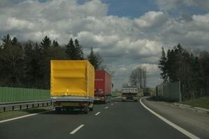 Branża transportowa jako pierwsza odczuwa powolne ożywienie na rynku
