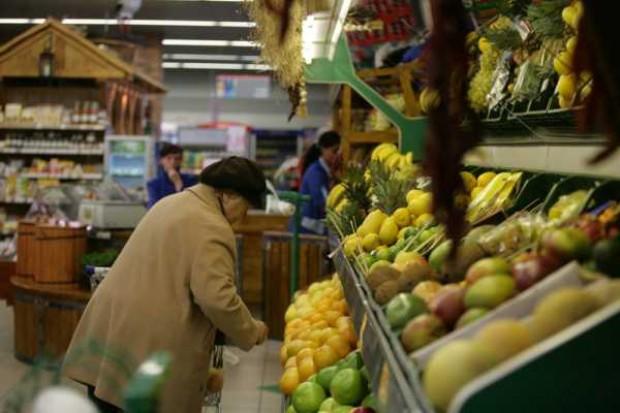 Inflacja zwalnia dzięki spadającym cenom żywności