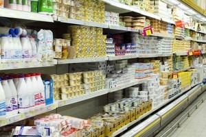 Gwałtownie maleje wartość eksportu produktów mleczarskich