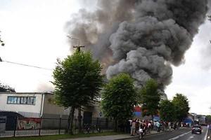 Potężny pożar w Zakładach Mięsnych Mysław w Mysłowicach