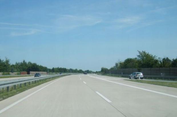 Dolnośląskie: Kobieta jechała po autostradzie 235 km/h