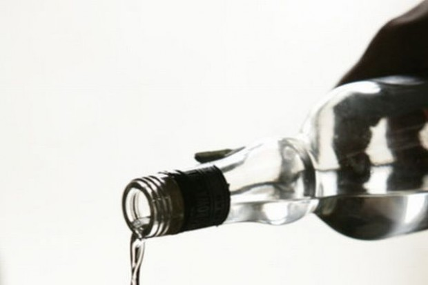 Przez akcyzę spada sprzedaż wódek