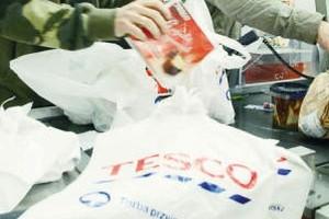 Jest nowa ustawa, sklepy nie będą już rozdawać za darmo torebek foliowych