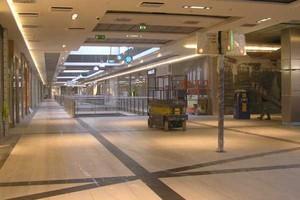 Analitycy: Kryzys wstrzymał lub opóźnił inwestycje w centra handlowe w małych i średnich miastach