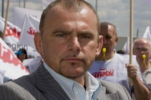 Przewodniczący Solidarności: Pracownicy sieci handlowych nie protestują, bo boją się zwolnień