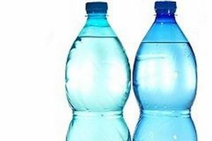 Rynek wody butelkowanej wzrósł w ciągu roku o ponad 10 proc.