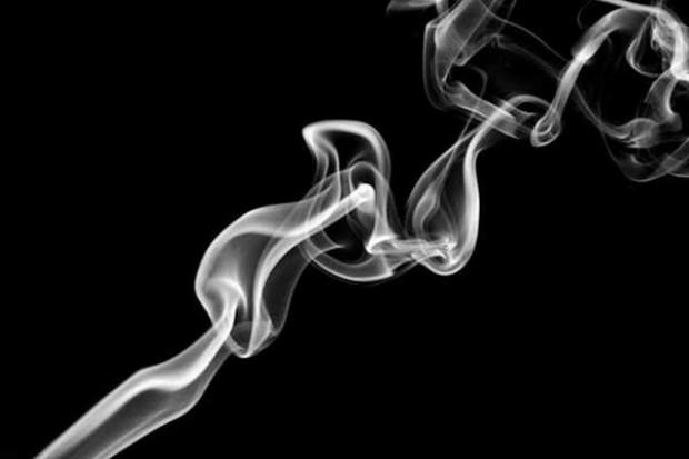 Całkowity zakaz palenia w miejscach publicznych pogrąży branżę HoReCa?
