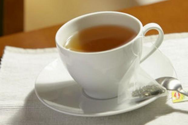 Czarne herbaty nadal ulubione w Polsce, rośnie też sprzedaż odmian zielonych i owocowych