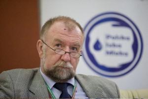 Prof. Babuchowski: Negatywna kampania powoduje spadek spożycia mleka