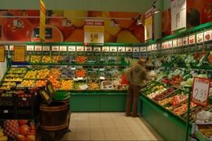 Łukaszenka wycofuje ze sklepów rosyjską żywność