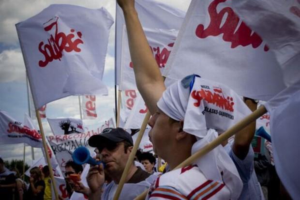 Pracownicy protestują: Przecież Tesco wypracowało duży zysk, sieć stać więc na realne podwyżki