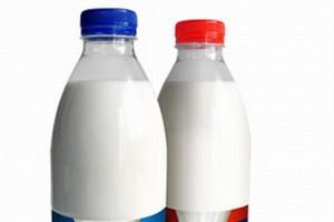 Mleczarnie wychodzą z kryzysowego dołka. Dobre wyniki branży mleczarskiej w I połowie 2009 r.