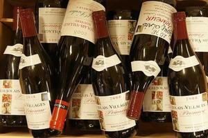DHL GF w ciągu tygodnia rozwiezie 2 mln butelek Beaujolais do 150 krajów