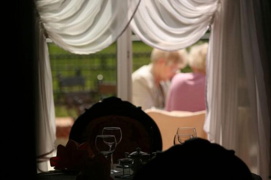 Rynek restauracyjny traci - w tym roku wydamy o 5 proc. mniej na jedzenie poza domem