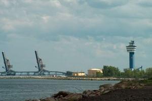 Gdański port obsłuży wielkie konterenrowce z Chin