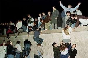 Niemcy obchodzą 20. rocznicę zburzenia muru berlińskiego