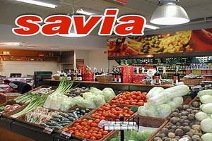 Tesco wchodzi ze sklepami Savia do galerii handlowych